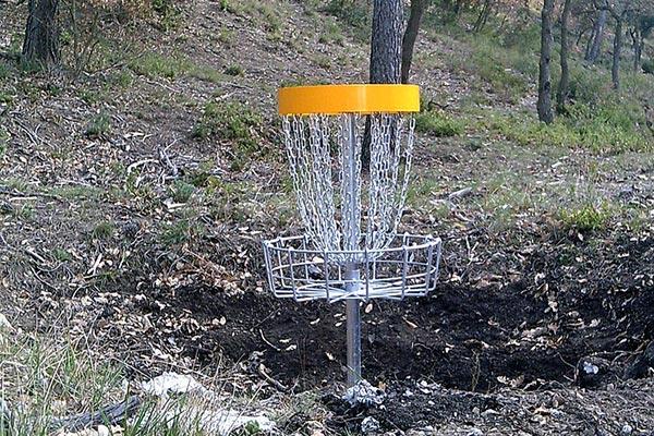 grande-maison-vacances-charleval-disc-golf