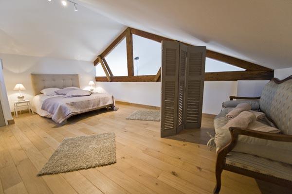 ma-vie-la-charleval-location-grande-capacite-provence-600 la chambre du haut cocooning