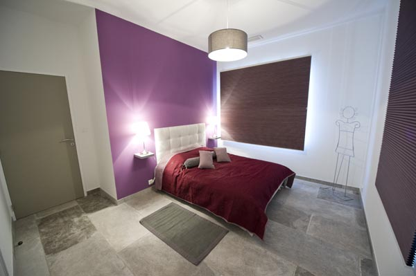 ma-vie-la-charleval-location-grande-capacite-provence-600 la deuxième chambre avec lit double